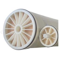 Solvent resistant membrane core